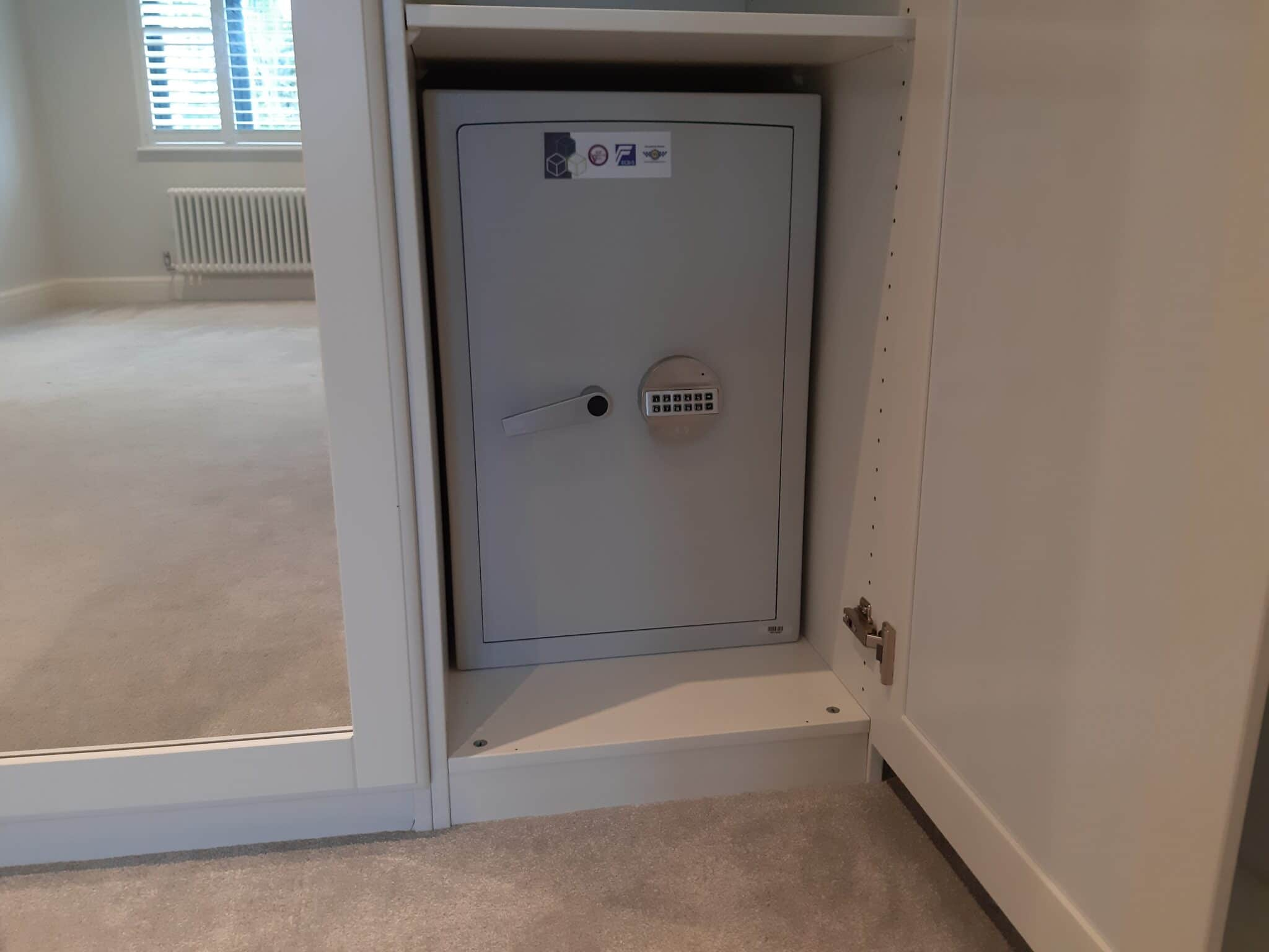 London Eurograde 1 Size 3 Digital Safe