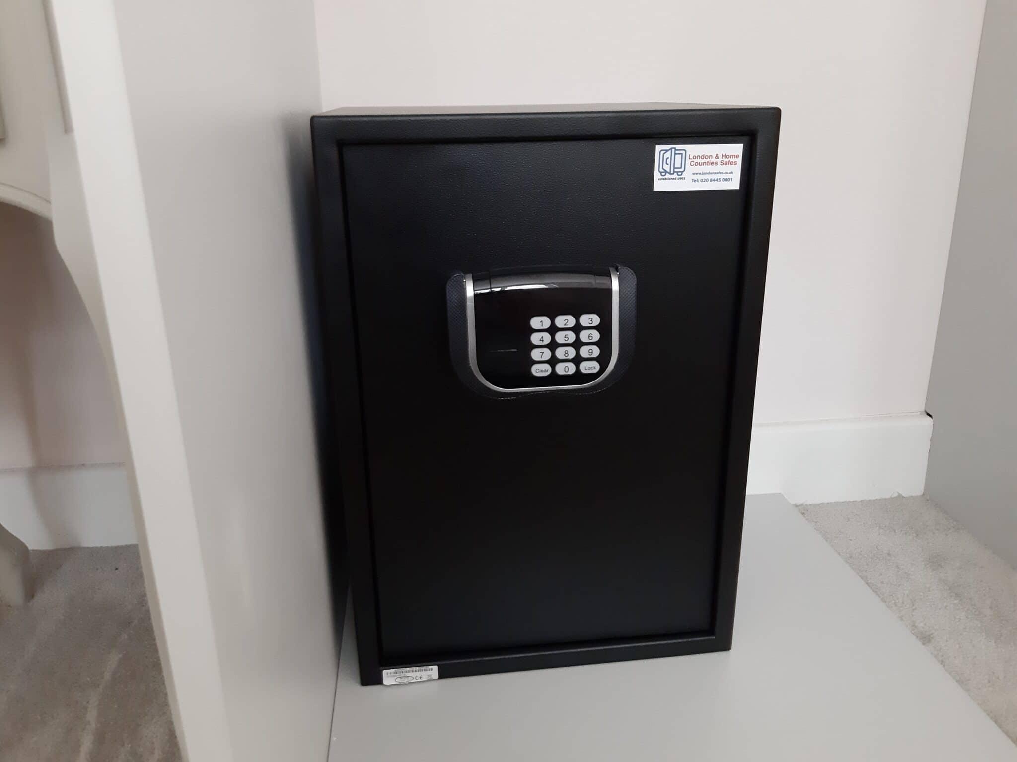 Pimlico Size 3 Digital Safe