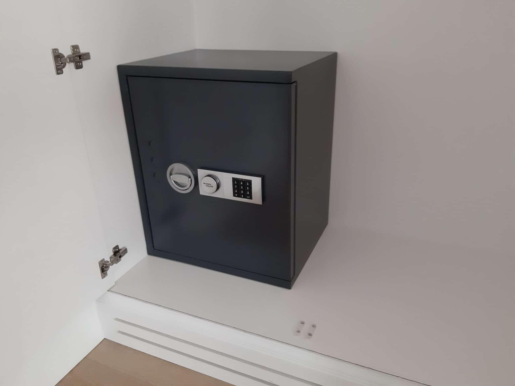 Lyra Eurograde 1 Size 3 Digital Safe